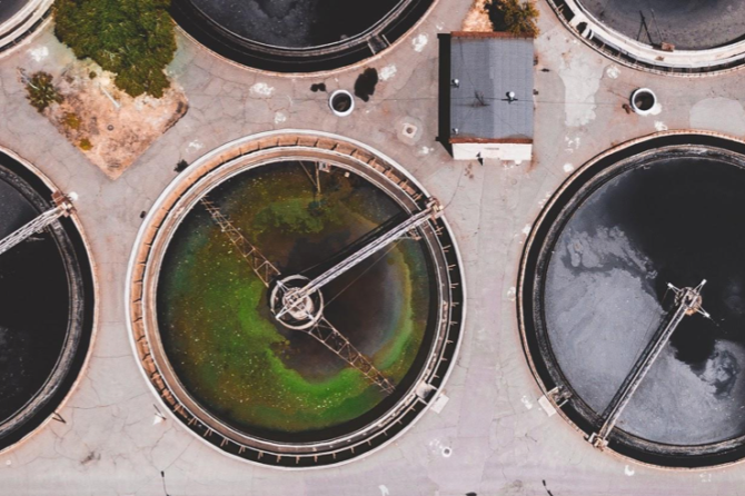 Wastewater Treatment – Polypropylene Fans vs. Stainless Steel and FRP Fans